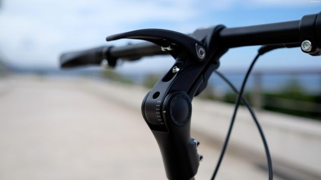 Jivr, small bicycle, small electric bicycle, adjustable handlebar